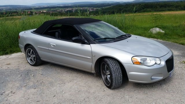 2003 Chrysler Sebring Limited Convertible front